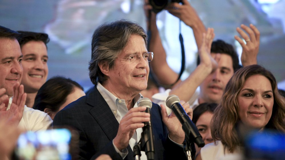 Fraud row erupts in Ecuador presidential election