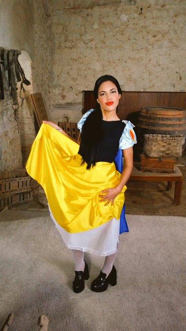 1 pic. maquillada de cuento por la preciosa y talentosa @naara_delgado para @cumlouder https://t.co/