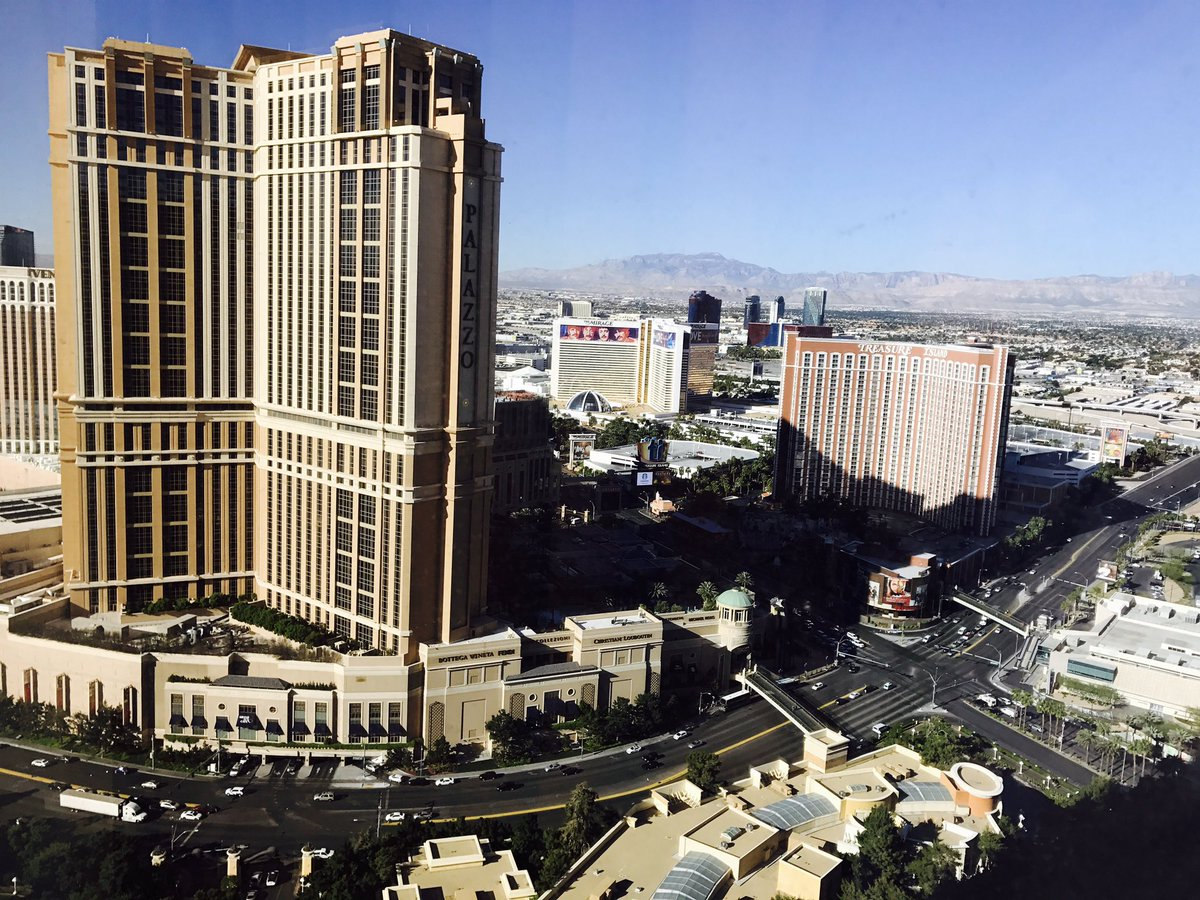 IgorKuzyk: Good morning Vegas! #MagentoImagine #BinaryAnvil https://t.co/nlNujeBgQx
