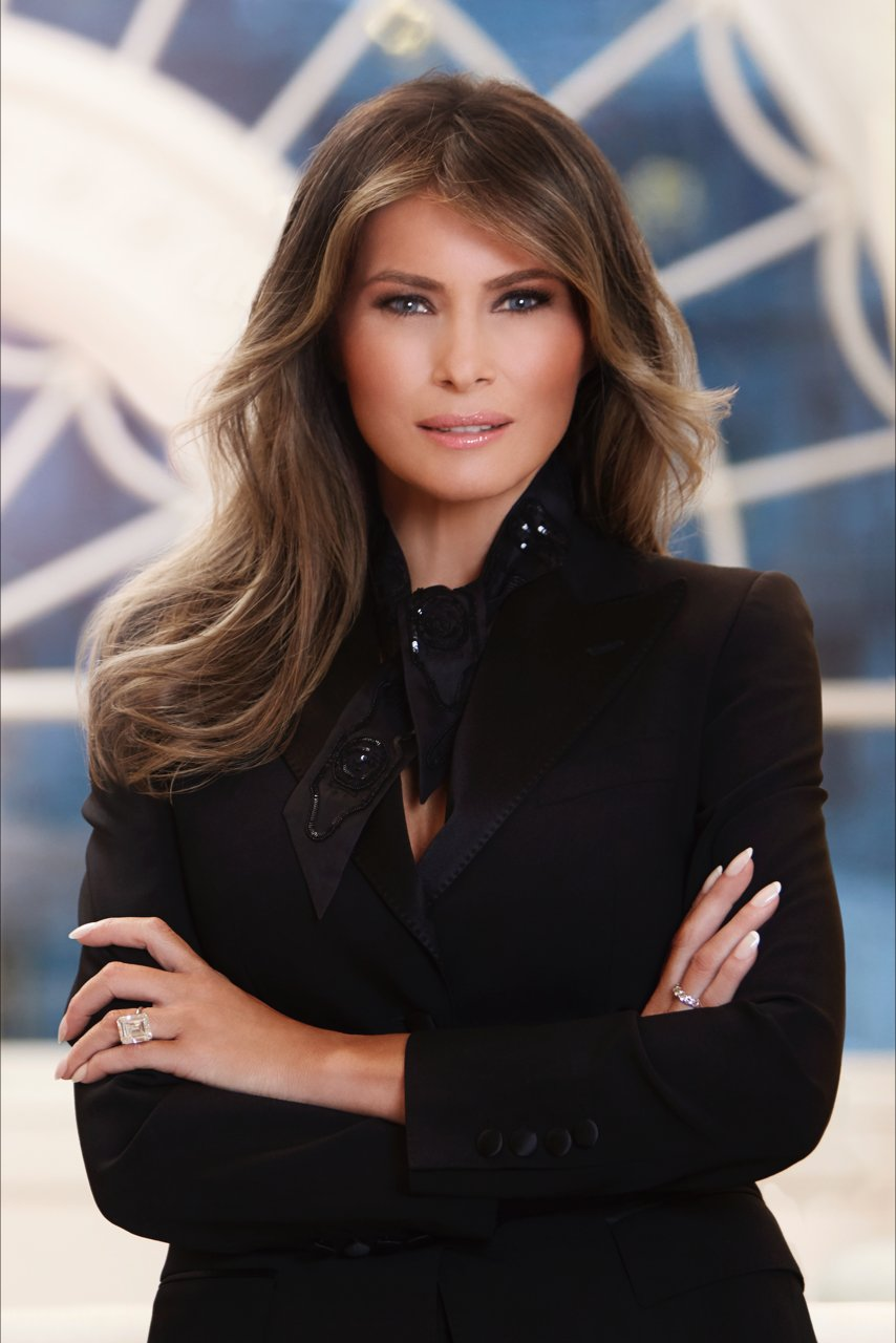 Inbox: White House Releases Official Portrait of First Lady Melania Trump https://t.co/npZuhAlYOE https://t.co/OB0MbNpjK9