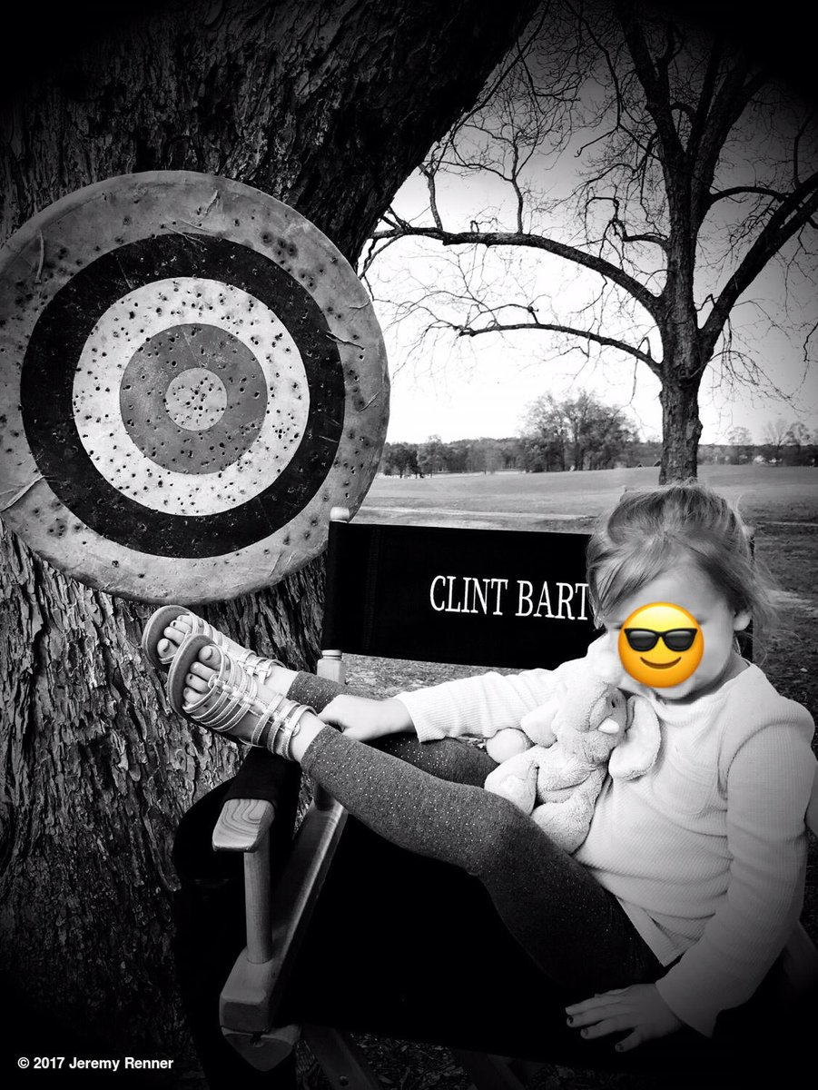 Another set visit #babyhawk #familyday #daddydaughter #starisborn https://t.co/GRDOxQLNtS