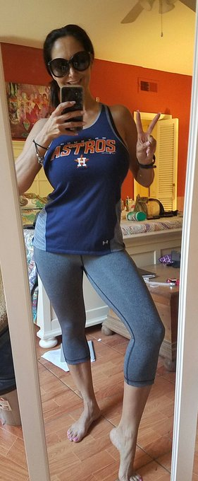 Headed to cycle Class... #OpeningDay #Astros #mondaymotivation #MondayMorning https://t.co/ic778wgrb