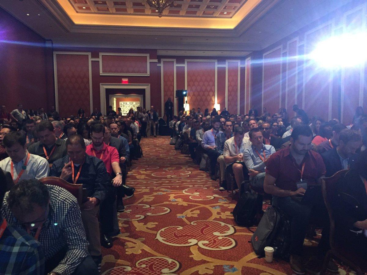 robertjmoore: Standing room only FOR DATA!! #MagentoImagine https://t.co/DuwVdbpm35