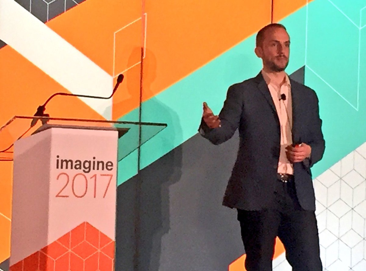 annhud: Great talk by @robertjmoore on #magentoBI at #MagentoImagine #standingroomonly #firstsession #bi #data https://t.co/Iqi9dDalu6