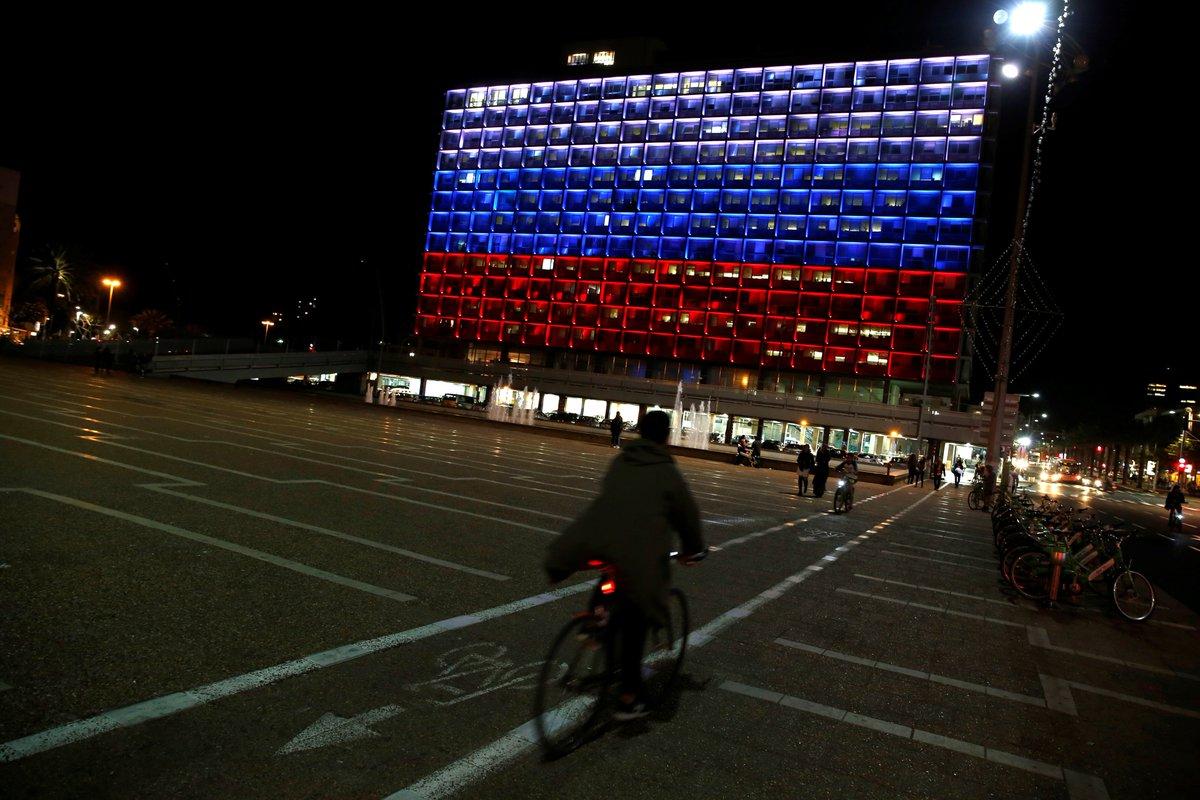 Tel-Aviv rend hommage à Saint-Pétersbourg... mais ni Paris ni Berlin 🇷🇺 https://t.co/fmhOPMaL52