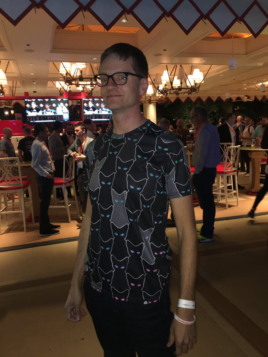 lfolco: @markabrinton sporting the #magecats tshirt! #Magentoimagine https://t.co/Ye4bDUyqO1