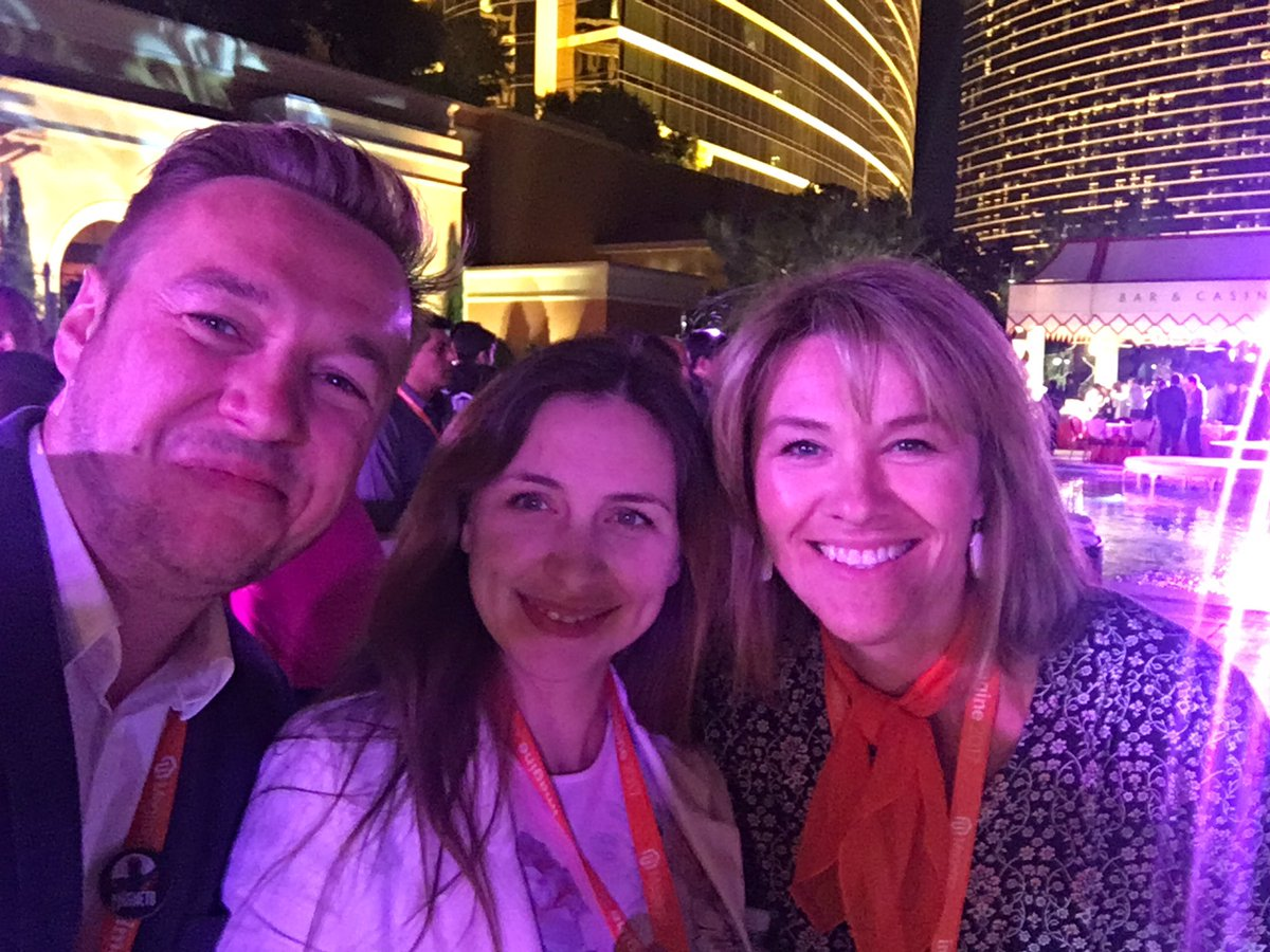 agaltsow: Me and the masterminds #MagentoImagine https://t.co/t90QQuXTyU