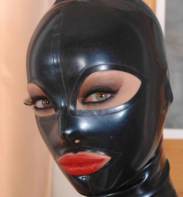 2 pic. These black face masks are some kinky shit https://t.co/ZRPRJ3U40W