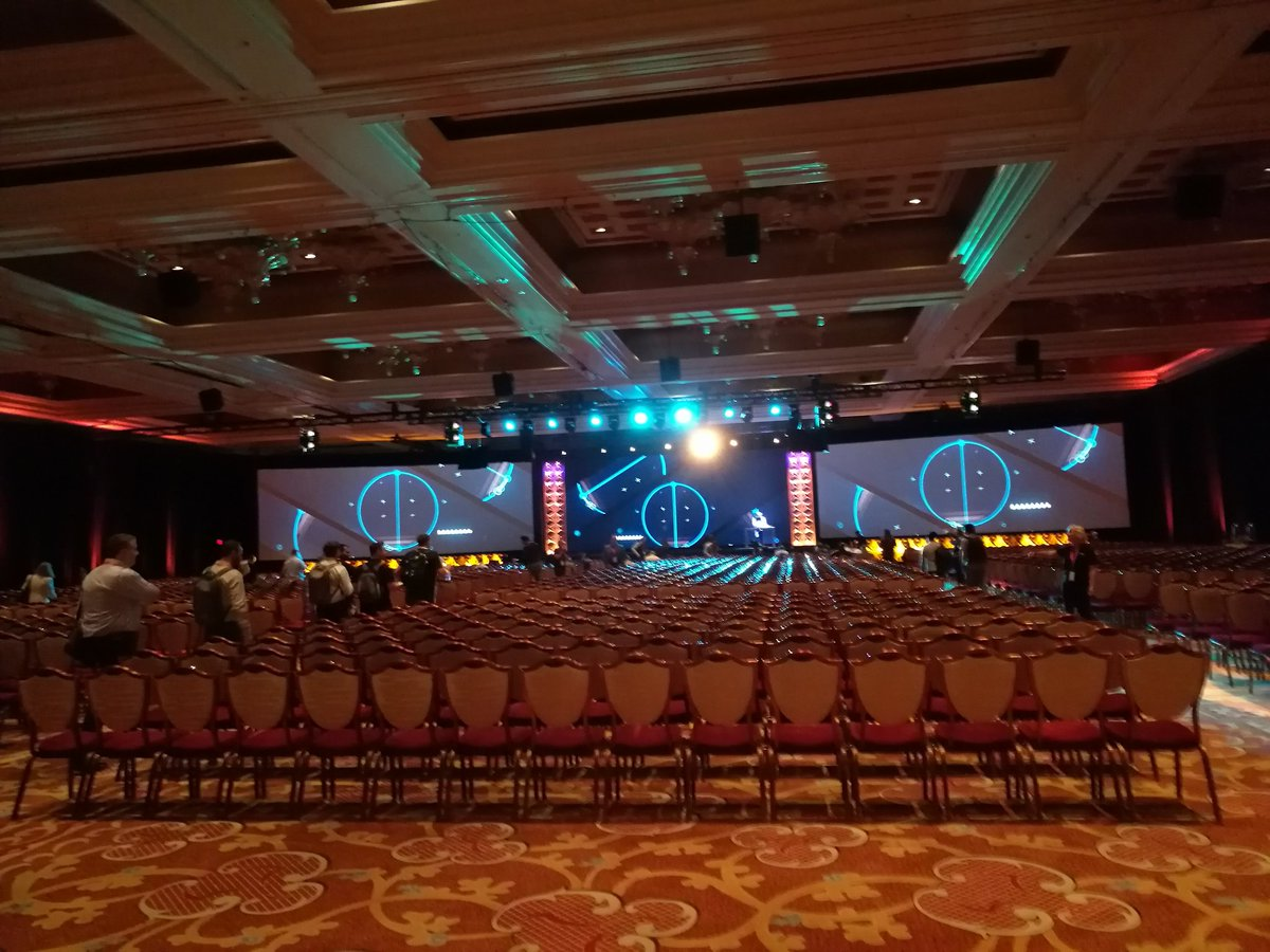 afoucret: #Magentoimagine general session starting soon. Keep in touch https://t.co/S2E9lm2yWy
