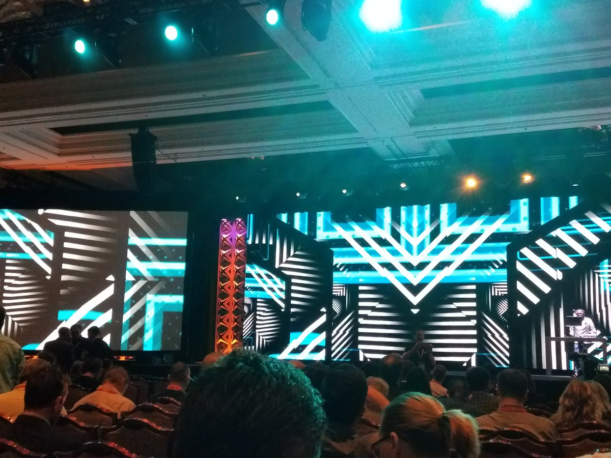 TJ_McDowell: #Magentoimagine keynote presentation kicking off shortly https://t.co/ufvXc1WeN1