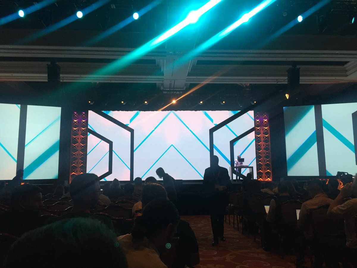 AgenceSOON: Day 2 General Session #imaginecommerce #ecommerce #magento https://t.co/5D4Zu1pDx8