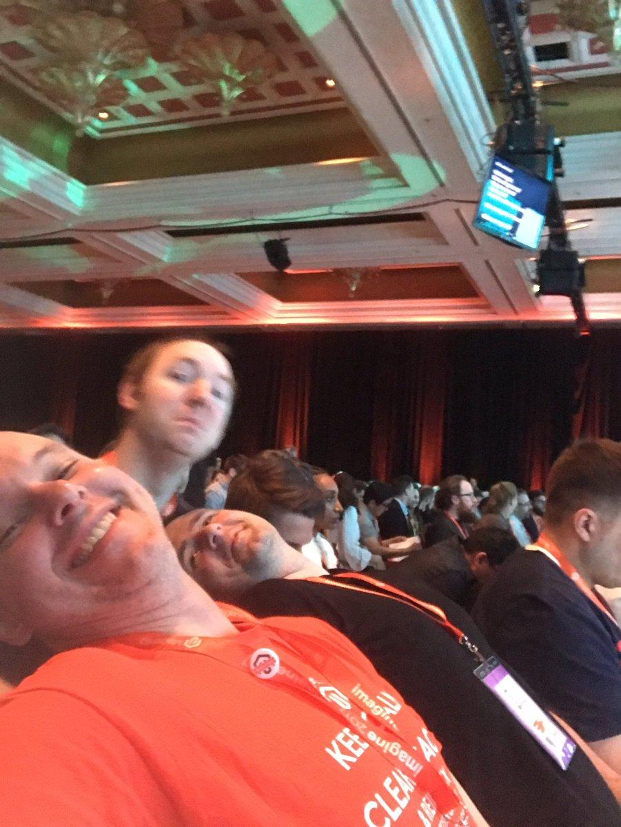 brentwpeterson: Selfie @daim2k5 @kalenjordan #Magentoimagine https://t.co/W8NTxfKuo6