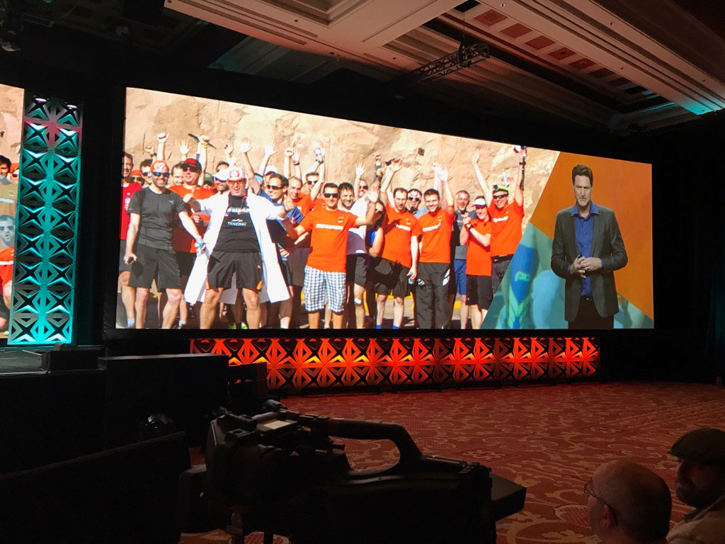 brentwpeterson: The #bigdamrun on the big screen #Magentoimagine https://t.co/aQIt1Ys8K8