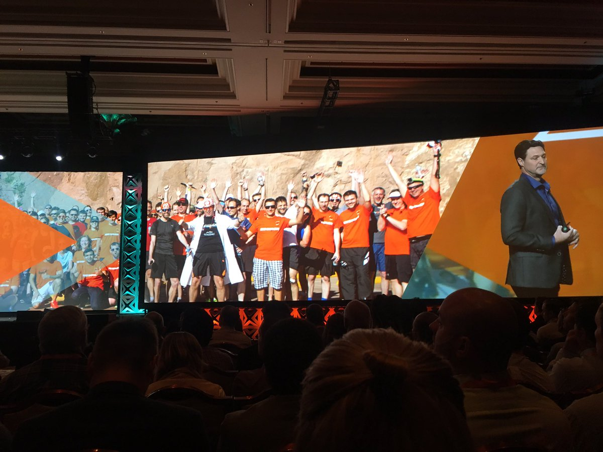 dverkade: Cool to see a picture of yourself in the Magento Imagine keynote 😛#Magentoimagine cc @raybogman https://t.co/VQ4pcjTZ2H