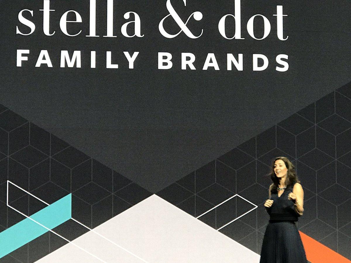 jeo4long: Amazing @JessicaHerrin from Stella and Dot on stage at #MagentoImagine https://t.co/2SEtAv7det