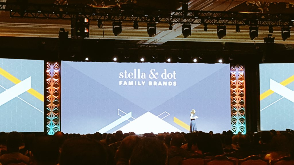 stevedeckert: 'Everybody makes money in Excel.'n- @stelladot at #MagentoImagine https://t.co/lSwqgFkChC