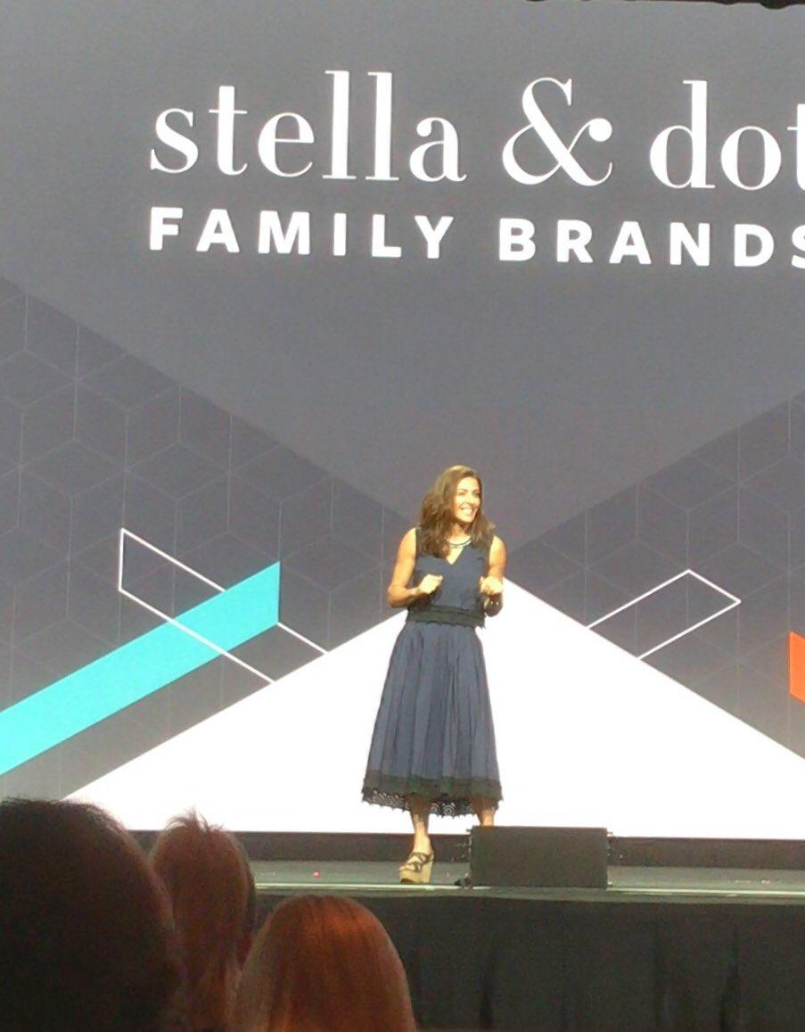 mktgendeavor: On #entrepreneurship: 'Everybody makes money in Excel.' @JessicaHerrin @stelladot #Magentoimagine https://t.co/ALfTcgnUUT