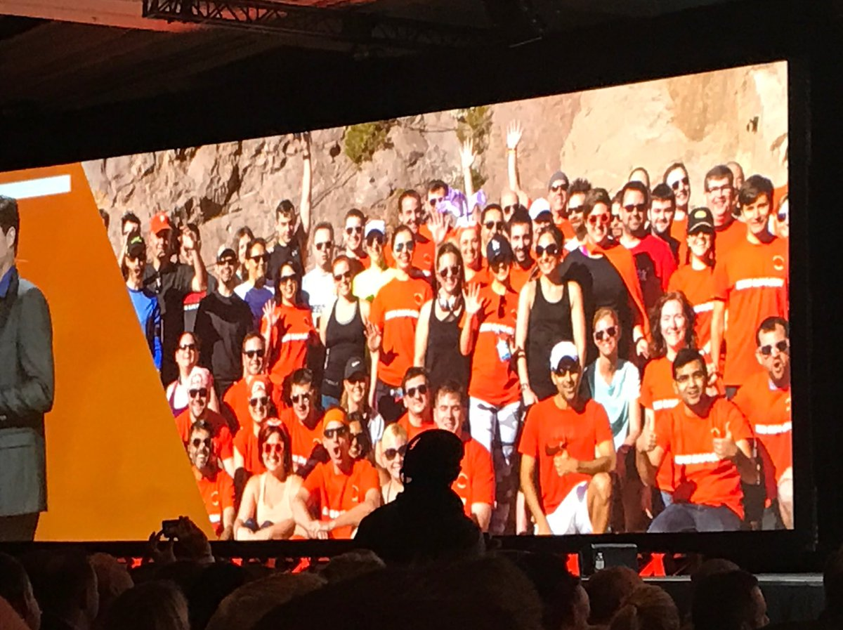 knowj: Made it into @mklave1's #MagentoImagine keynote (top right) #bigDamRun https://t.co/n15wYCJXV0