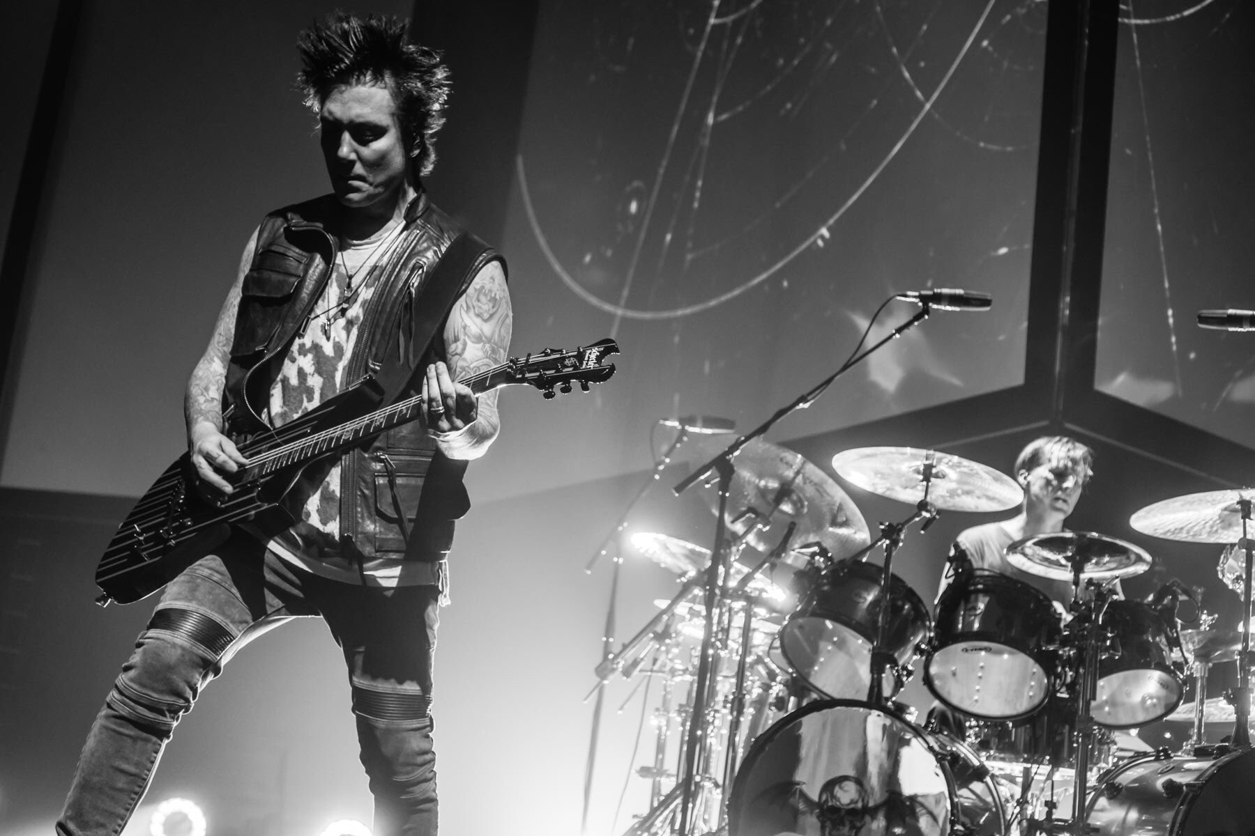 Planets. Zurich, Switzerland ���� #thestageworldtour #avengedsevenfold ��: @rafacore https://t.co/rKCcTseEMn