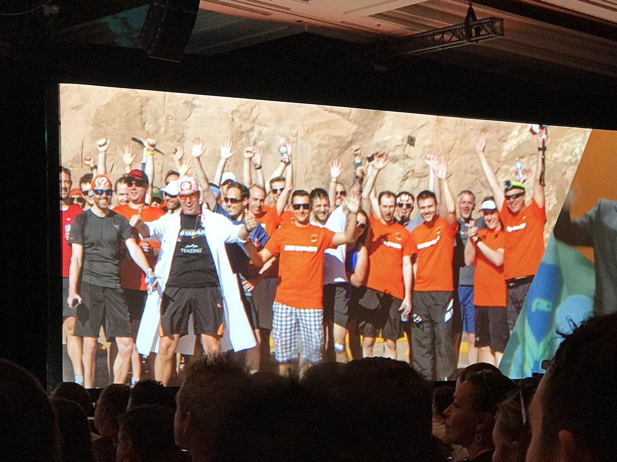 raybogman: #BigDamRun team pic shown at Keynote #Magentoimagine . Look for the Magento Doctor jacket 🤣 @janbrooijmans https://t.co/I5BVvleYUv
