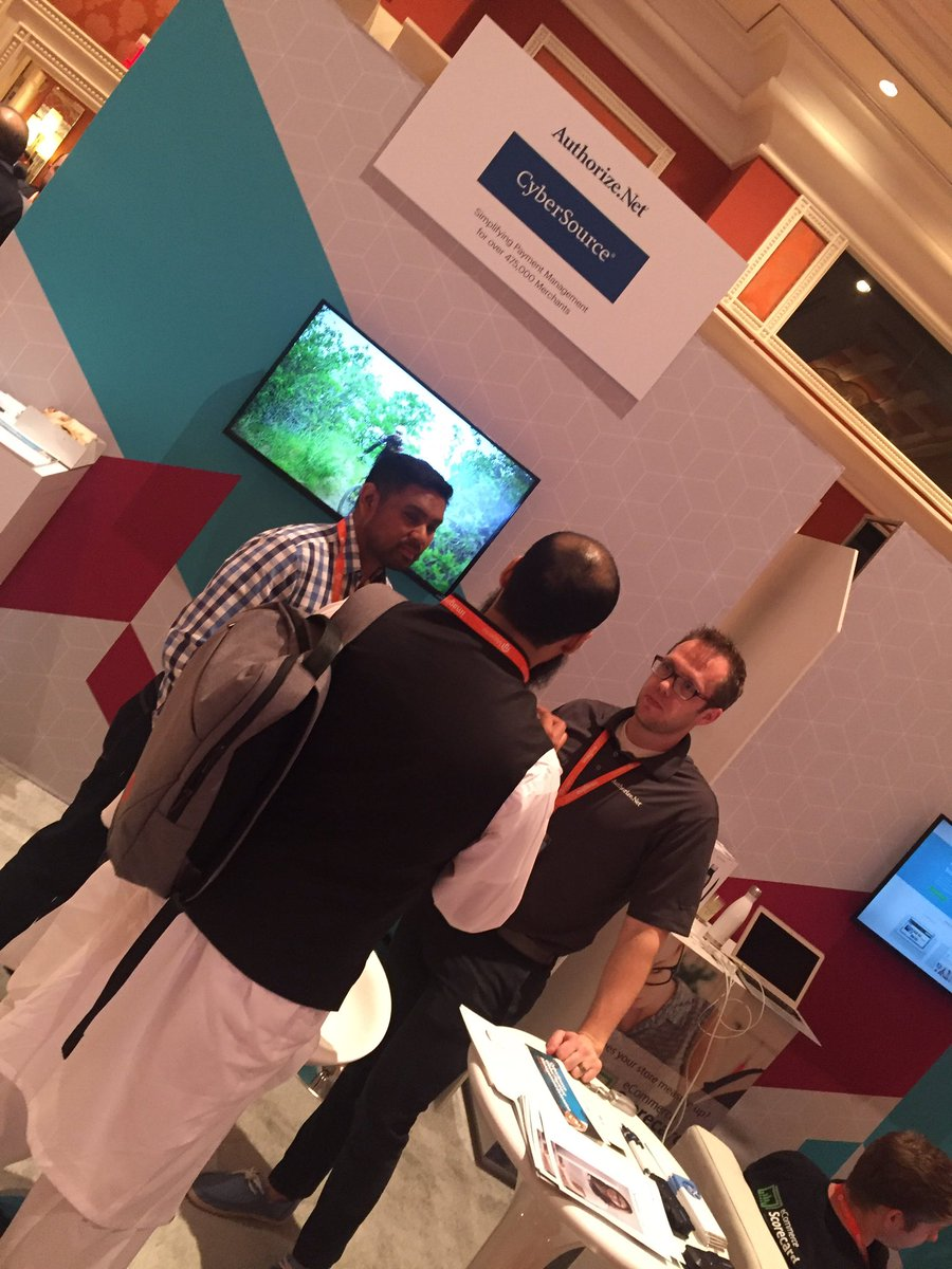 paymentschief: @CyberSourceUK @AuthorizeNet in action at #MagentoImagine https://t.co/oBA0TaxZZO