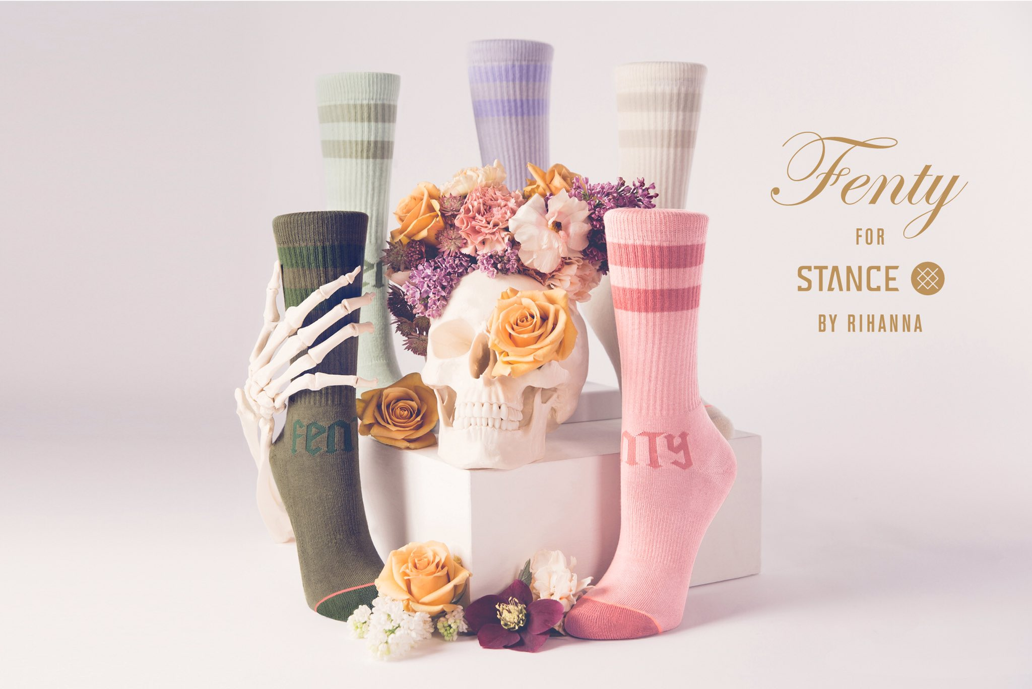 Spring collection is here!!! Get this season's must-have socks now at https://t.co/NwE9jlLQHI #RihannaXStance https://t.co/VbJBfpTP5u