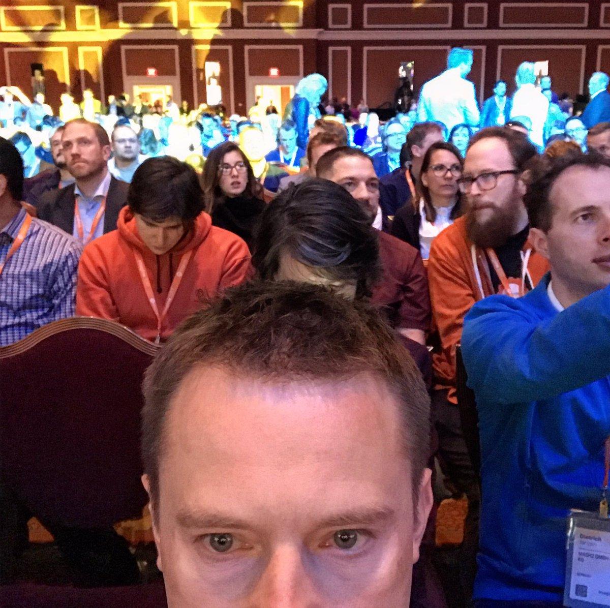 krzysdan: #MagentoImagine audience and me https://t.co/WIjLxWrMn0