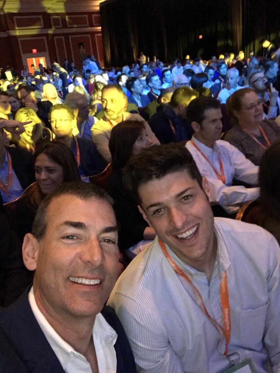 BobSchwartz: Son @ZachisZach of @NFL joining me at #MagentoImagine https://t.co/U6h4OBiDL0
