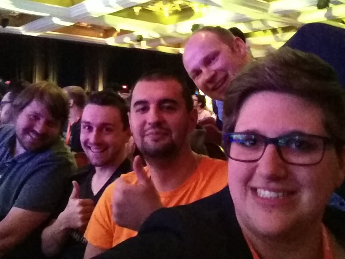 rescueAnn: We are ready for the General Session II! #MagentoImagine https://t.co/vTZbz5hjy9