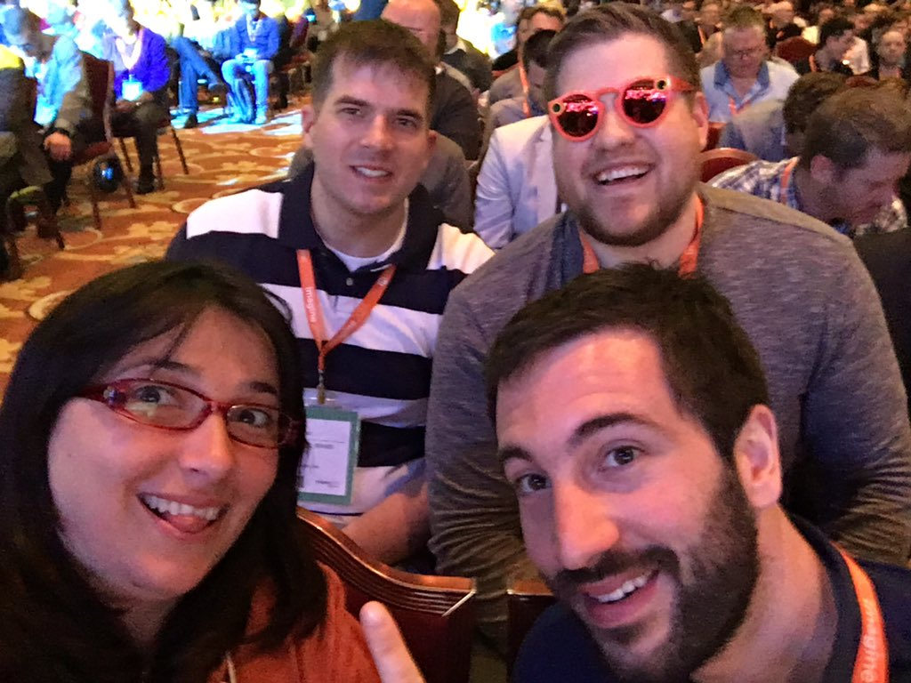 iamspringerin: #Magentoimagine selfies getting out of ✋!!! https://t.co/bLhHmgVn8B
