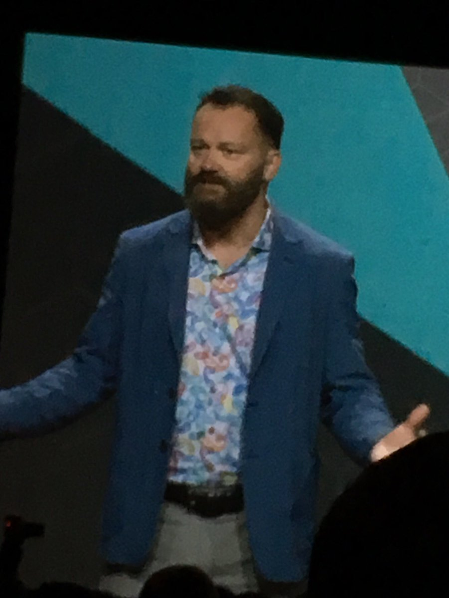 molme: I don't know what you think, but @JC_Climbs looks totally like @tomhanks in Cast Away #MagentoImagine like it! 😉 https://t.co/6QxFDqUoio