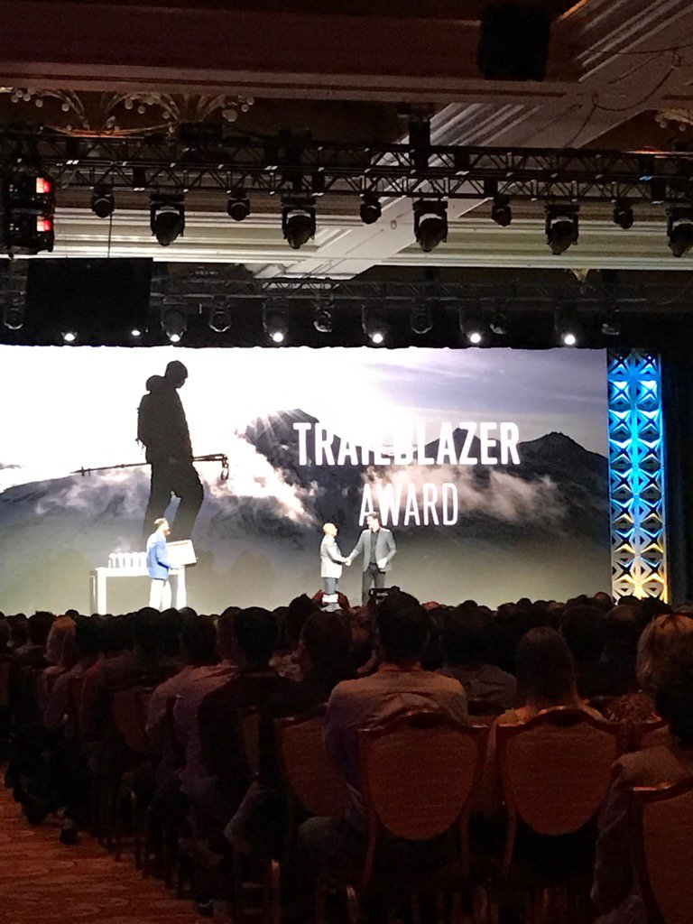 JoshuaSWarren: Very cool - @mklave1 giving @royrubin05 the Trailblazer Award at #MagentoImagine! https://t.co/glwIHM5KNG