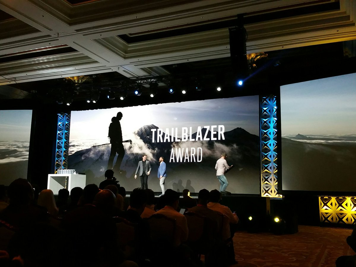 bscales12: #Magentoimagine  Nice awards for the trailblazers! https://t.co/xuxQMJ3lQy