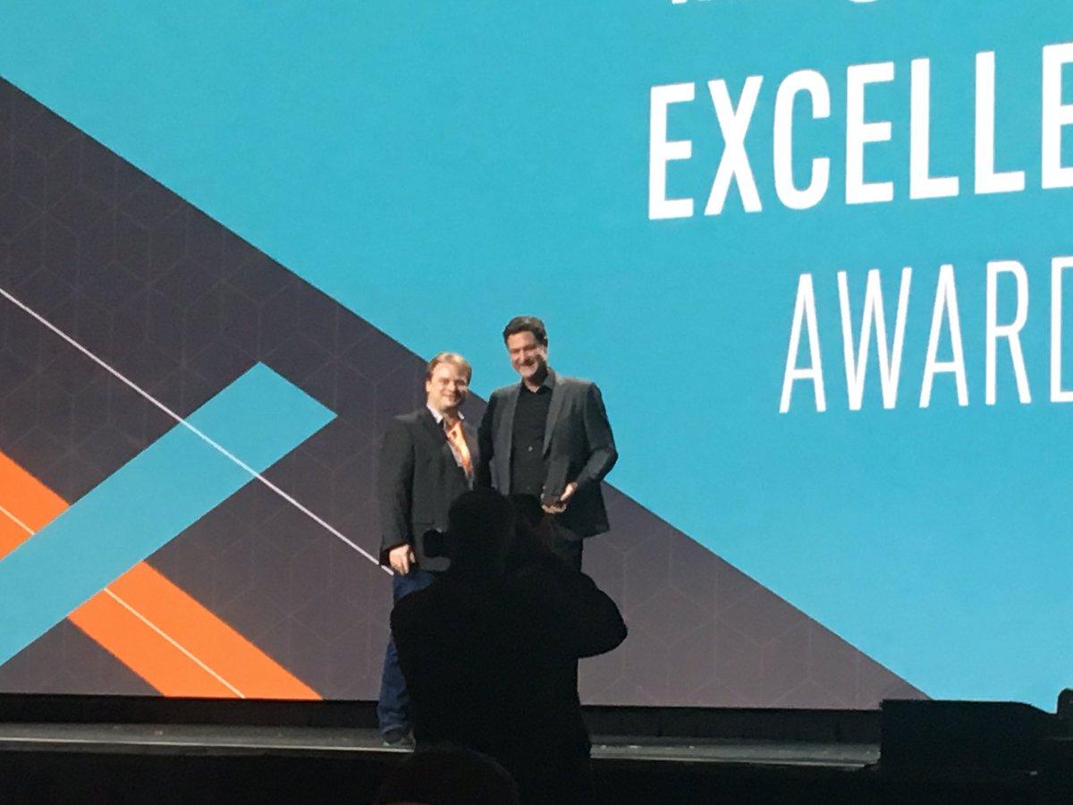netz98: Wir haben den @magento B2B Innovation Award gewonnen!!! #Magentoimagine #teameffort https://t.co/p7Y5NNgERA