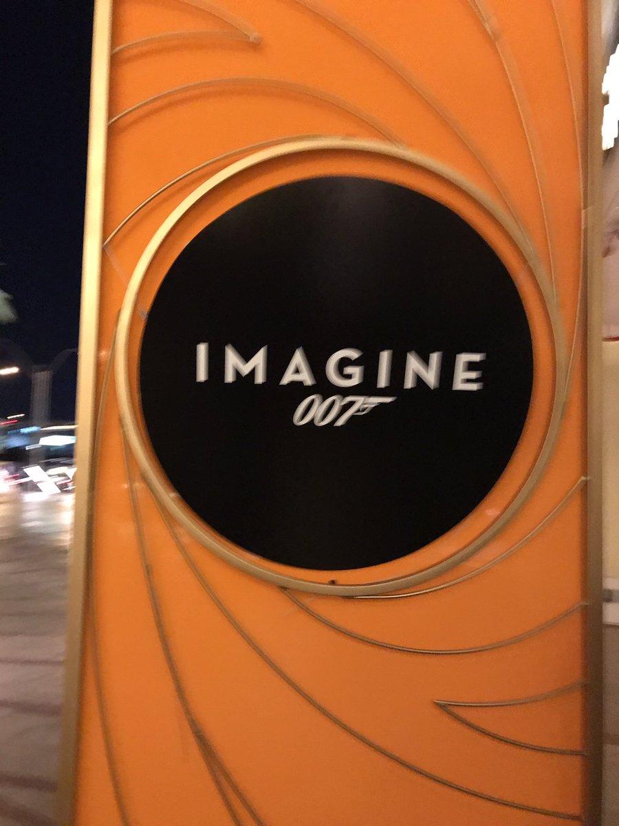 JoshuaSWarren: Love the Bond theme for the Legendary Party at #MagentoImagine! https://t.co/Ar390yWkUV