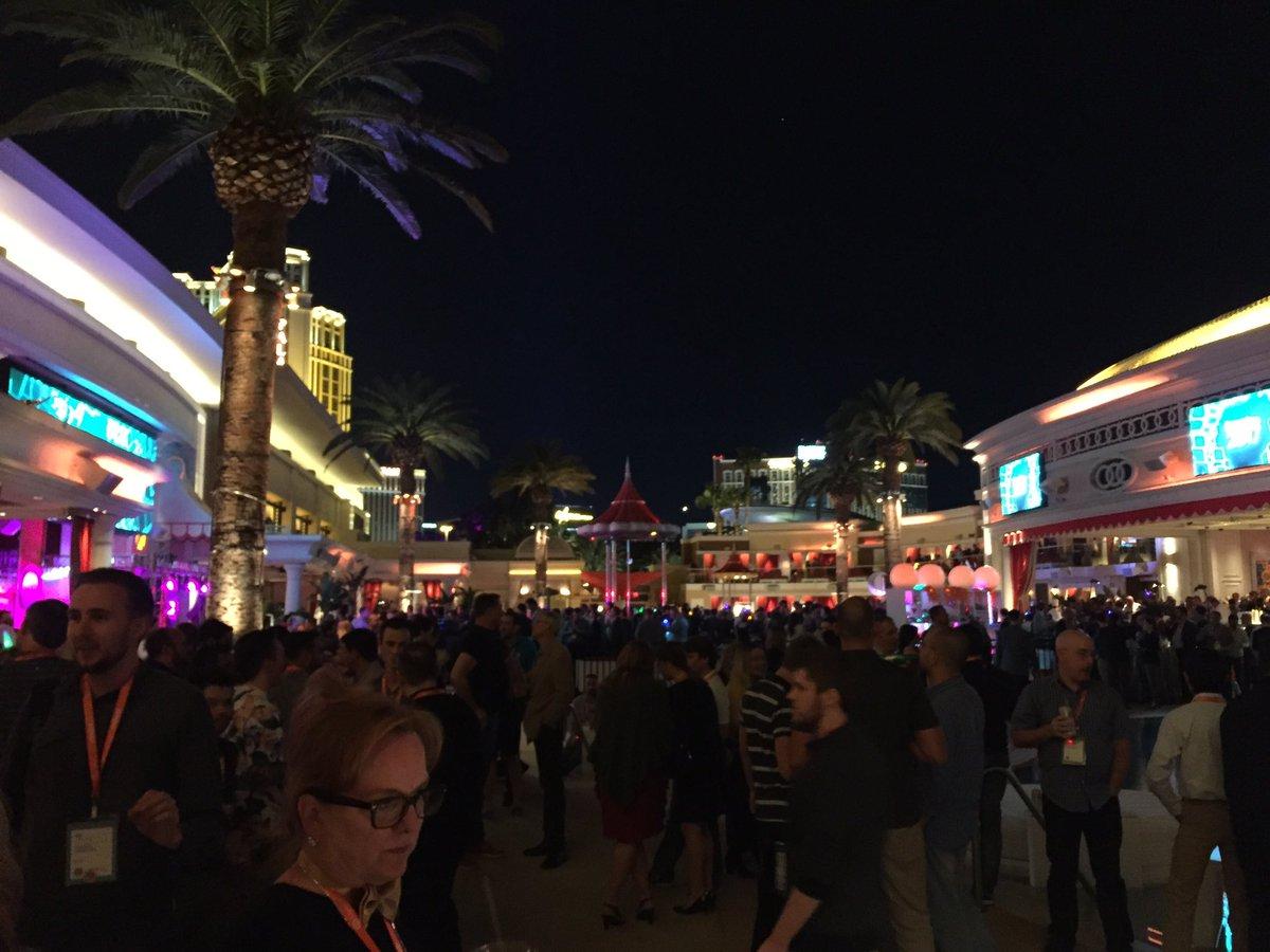 magento_rich: Legendary Evening Event in full effect! #MagentoImagine https://t.co/xa8CPY3BKz