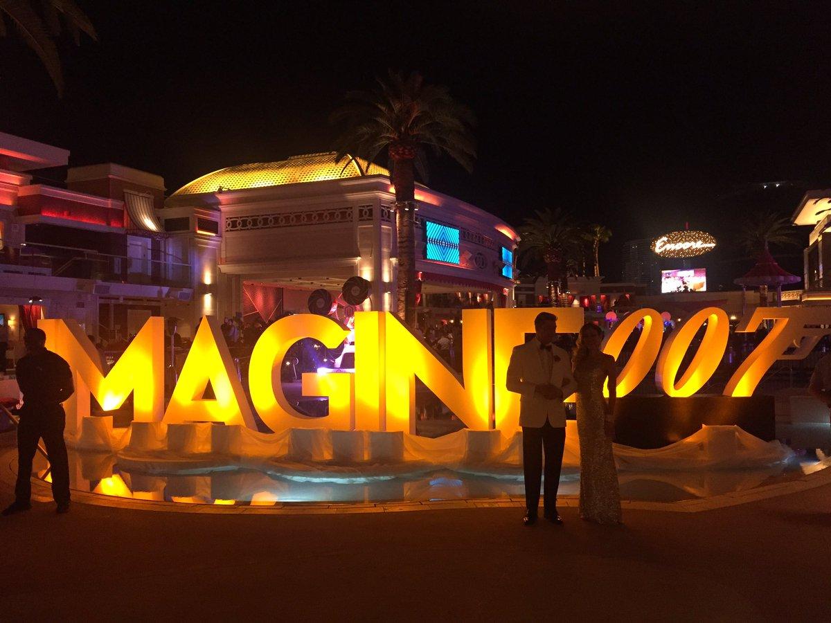 MaximBaybakov: Awesome #legendary night #MagentoImagine with @balanceinternet Thanks for making is possible @PayPalAU https://t.co/ye4Y3QFeRz