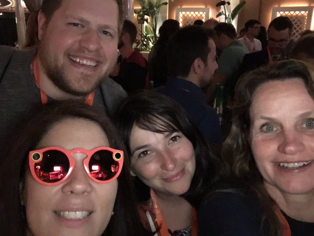 tanamarieberry: Thanks @d_rbn for sharing your snaptacles joy; @gsicotte having some fun! Amazing #MagentoImagine Legendary party! https://t.co/IJ20SCn9EX