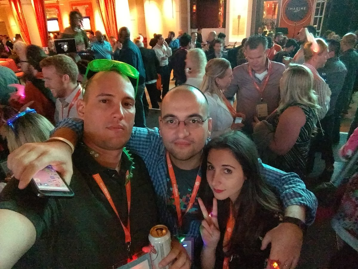 barbanet: With the @ebizmarts team at the Legendary party #Magentoimagine https://t.co/Mb9lY8P9Q9