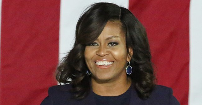 People on Twitter are loosing it over this photo of Michelle Obama's hair
