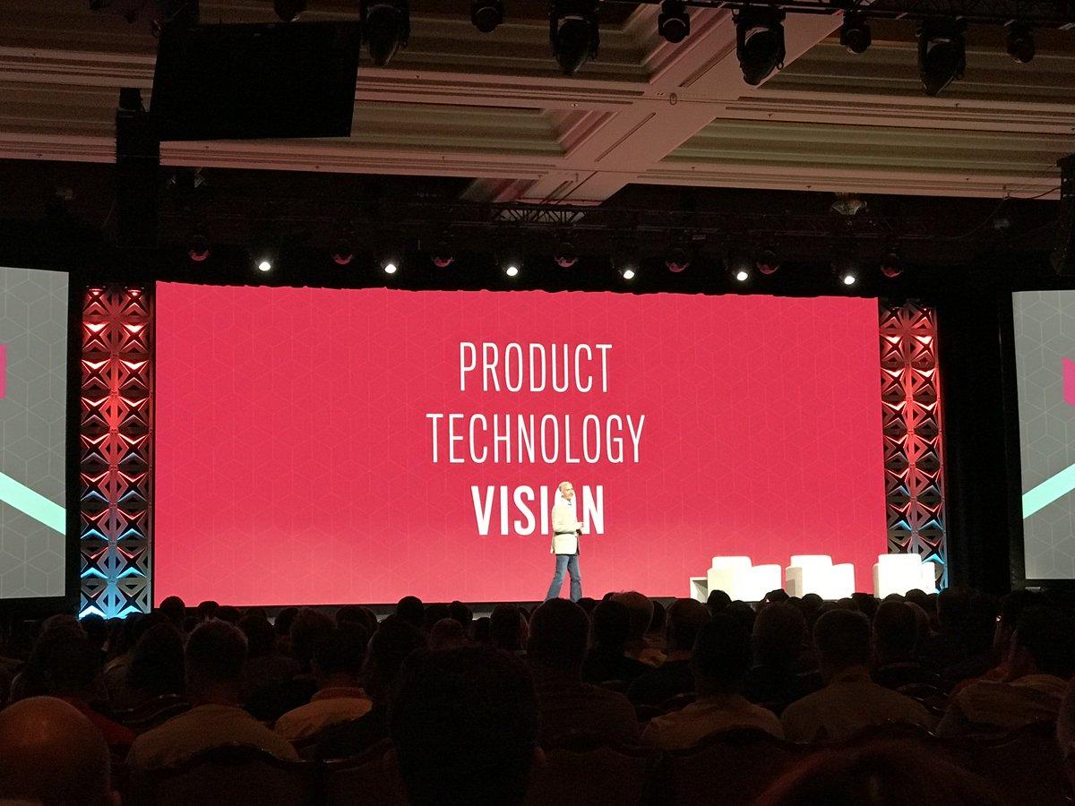 maksek_ua: #MagentoImagine @jasonwoosley_mg on stage, sharing Magento Product Vision. https://t.co/qKppYL0XO4
