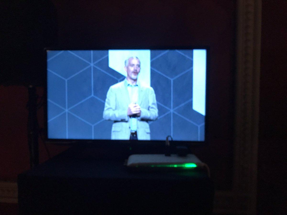 ProductPaul: Well done @jasonwoosley_mg Vision communicated! #MagentoImagine https://t.co/Md2KatMUdz