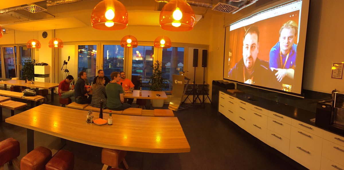 DavidLambauer: Hangout with Las Vegas at @aoepeople #Magentoimagine #realMagento @cmuench @rlieser @asteireif https://t.co/WEiG8UsRX3
