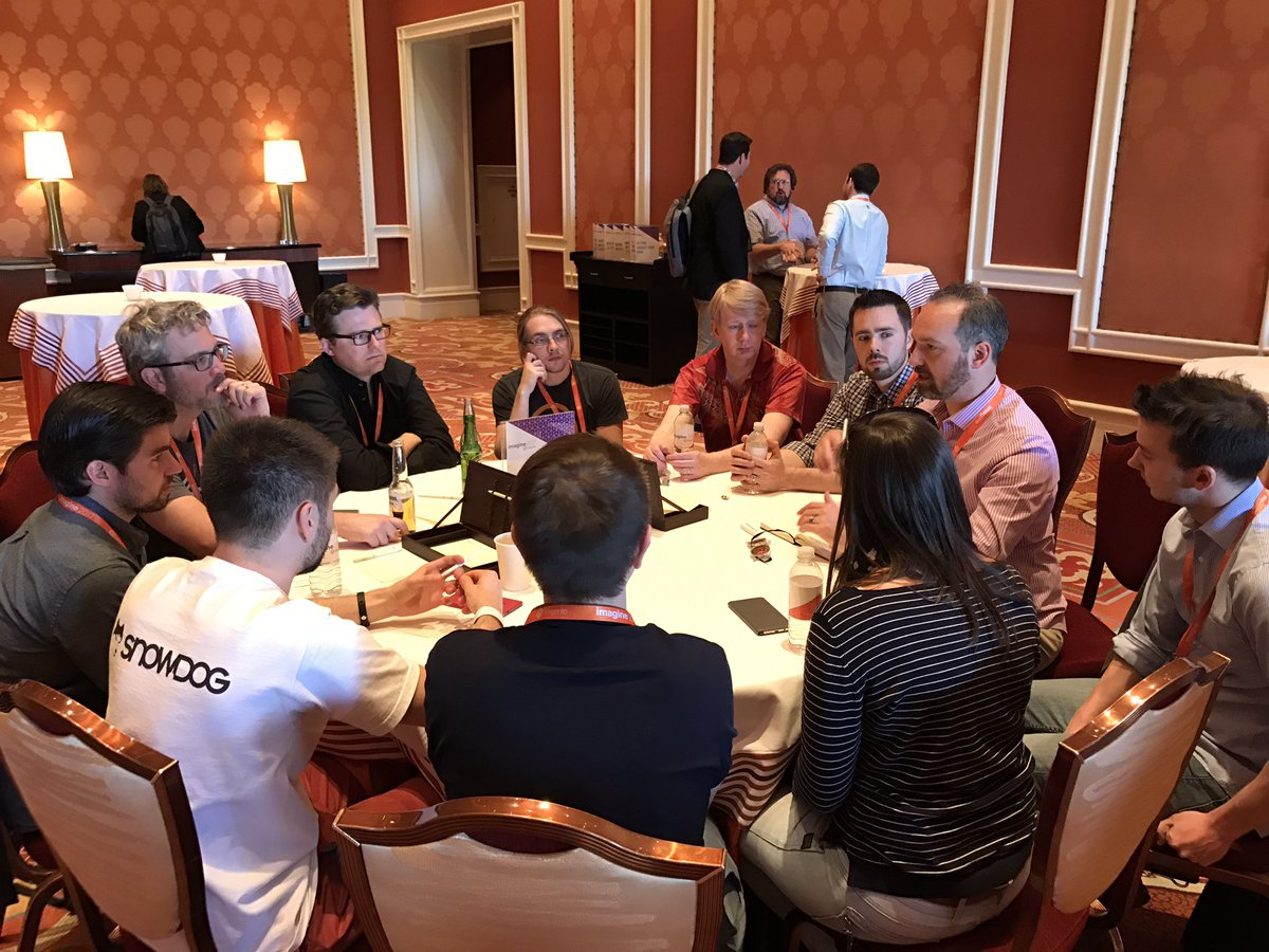 tonegolf71: Some great minds discussing @magento 2 frontend. #Magentoimagine #poweringtomorrow https://t.co/FS71gIpkOu
