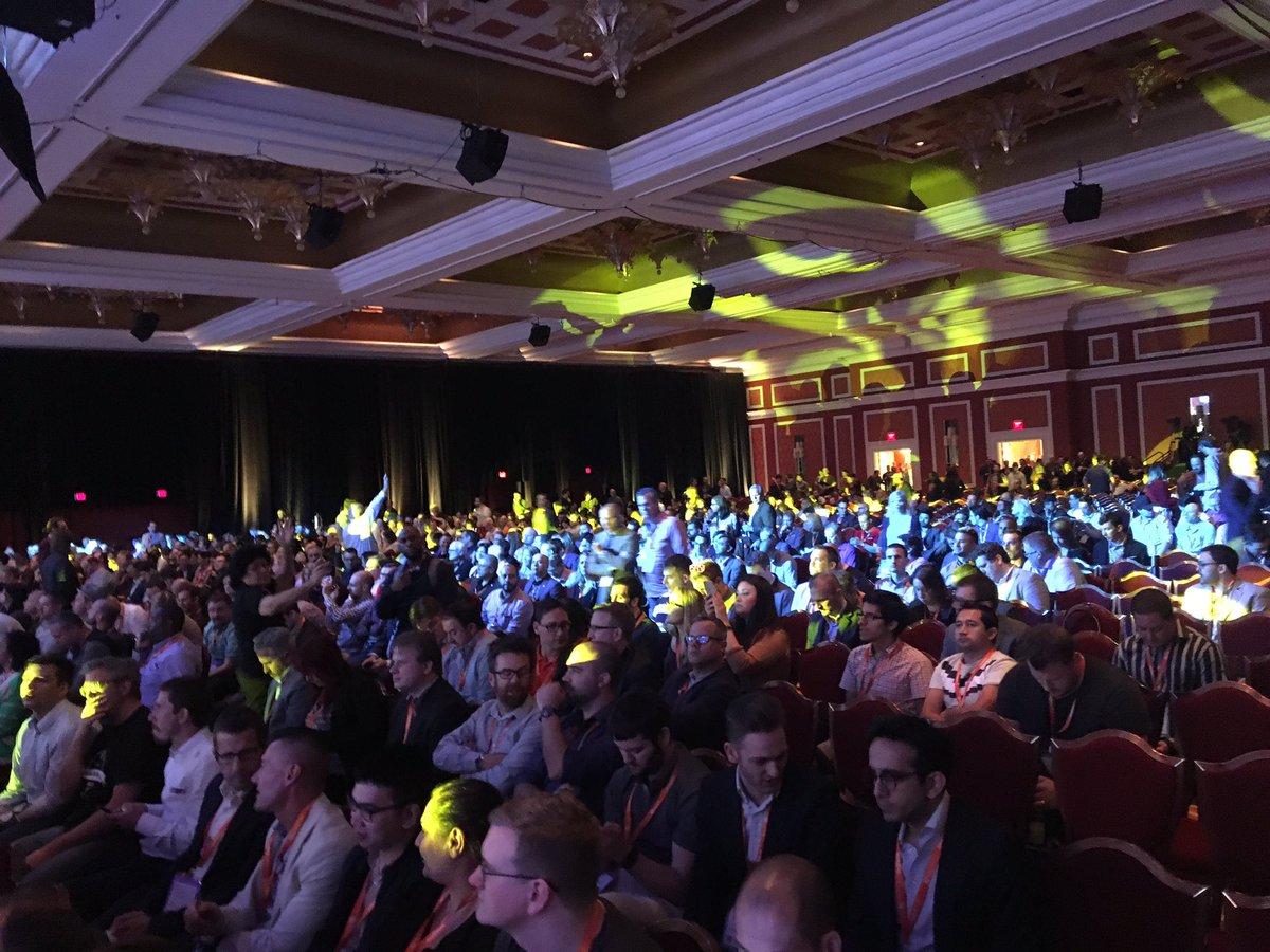 DigitalPianism: 3000 people from what I heard #Magentoimagine https://t.co/3sXe5gGTe0