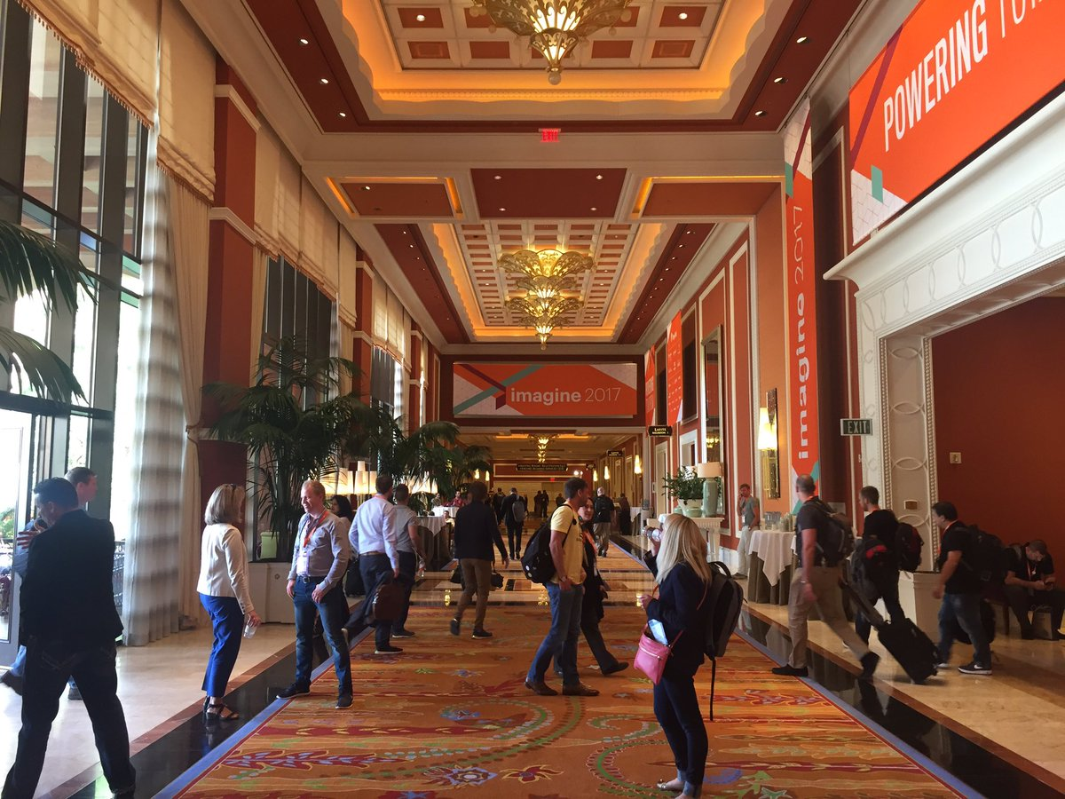 annhud: The halls are clearing out... #MagentoImagine https://t.co/JdY5lcqYAY