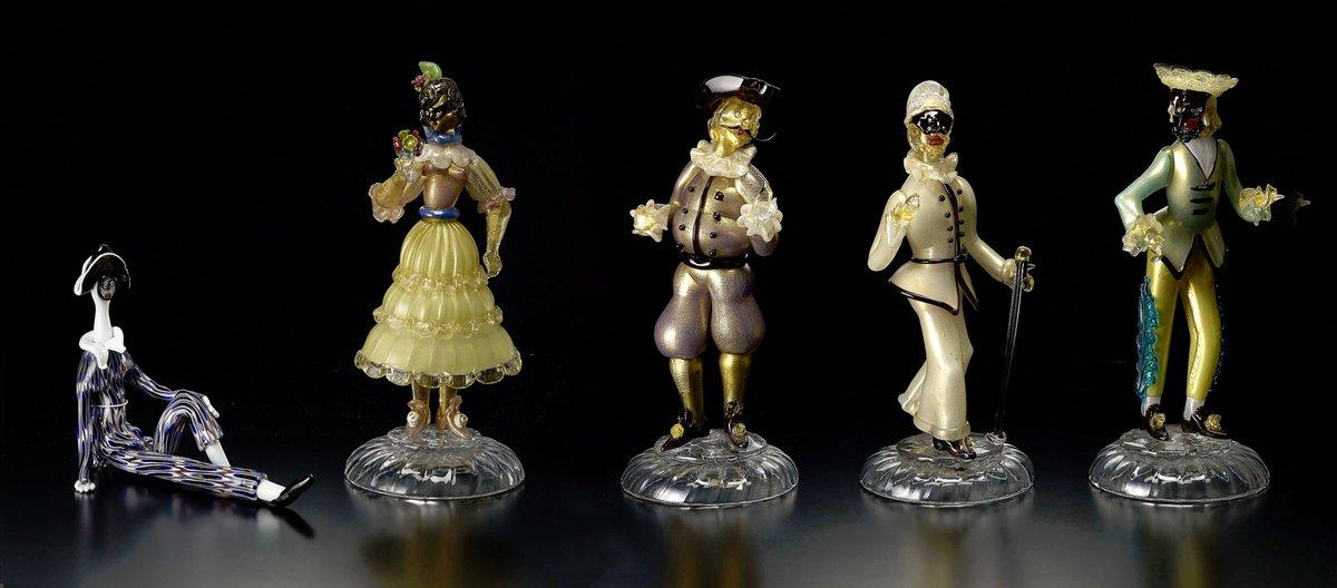 企画展:プリマヴェーラ~春を彩るヴェネチアン・グラス~会期:4月9日まで。カーニヴァルなどで上演された仮面喜劇の登場人物
