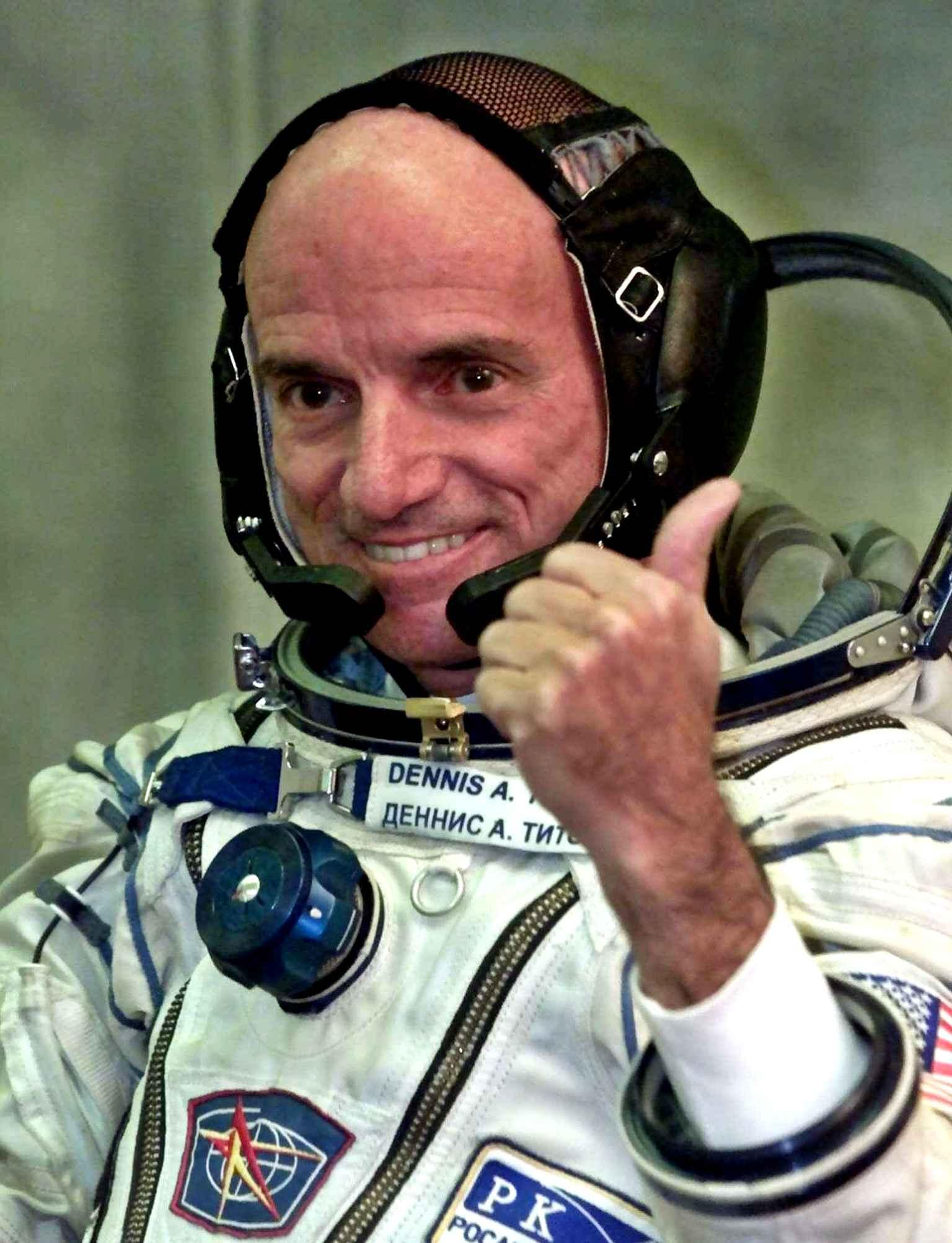 #UzayGerçekleri: Uzaydaki ilk #turist olan Dennis Tito, 2001'de Uluslararası #Uzay İstasyonu'na gitti ve orada bir hafta geçirdi. https://t.co/dU8cprcmEb