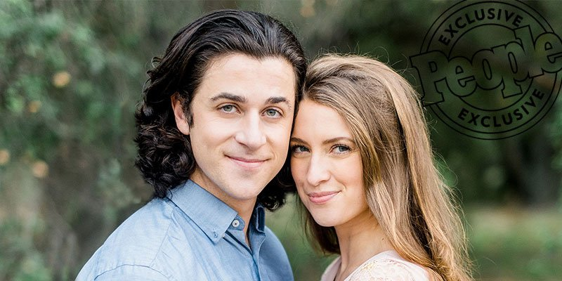 Wizards of Waverly Place's David Henrie is married (and TV sister Selena Gomez was there)!
