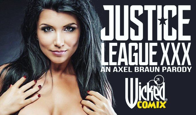 I am absolutely ecstatic and honored to be your new #WonderWoman! 💋💪🏼 https://t.co/SkLSofl4ku https://t